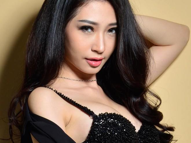 Khổng Tú Quỳnh sexy bất ngờ sau thời gian dài mất tích - Ảnh 9.