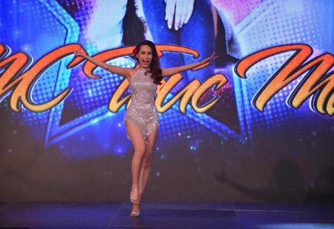 Nhan sắc nóng bỏng của nữ BTV xinh đẹp nhất nhì VTV24 - hình ảnh 4