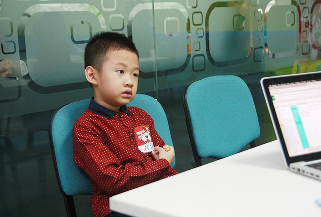 Con trai Vân Hugo bật khóc vì bức xúc  - Ảnh 6.