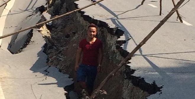 Bất ngờ xuất hiện vết nứt sâu hoắm, dài 30m trên Quốc lộ 32C