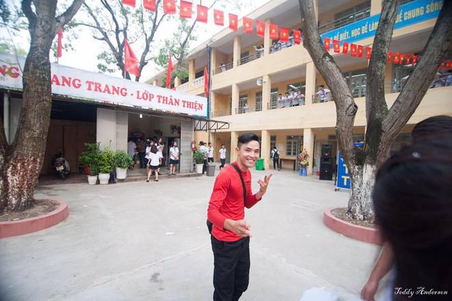 Đây là màn nhảy gây bão mạng của thầy giáo trẻ ở Hà Nội - Ảnh 2.