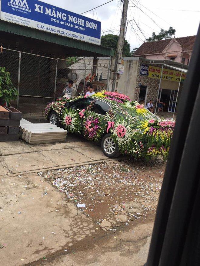 Xe hoa lạ ở Nghệ An khiến người đi đường không khỏi kinh ngạc - Ảnh 5.