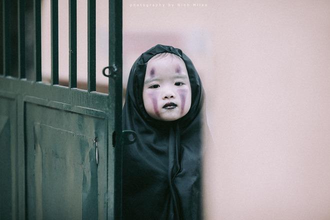 Cô bé Vô Diện phiên bản Việt dễ thương khiến dân mạng rần rần chia sẻ - Ảnh 1.