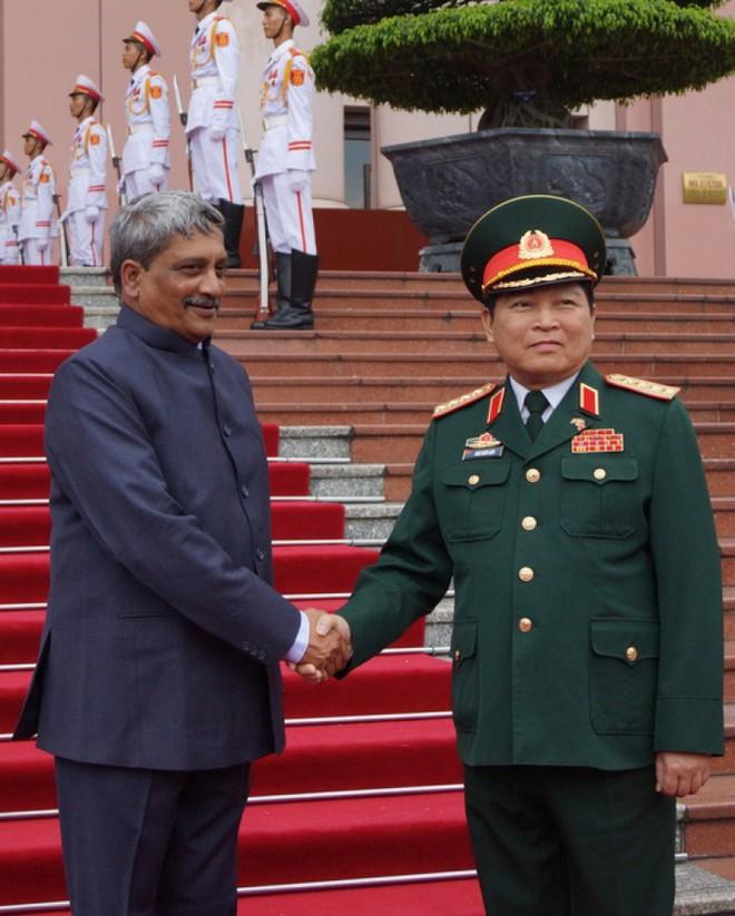 Máy bay, tàu chiến, tên lửa Ấn Độ: Luôn sẵn khi Việt Nam cần! - Ảnh 1.
