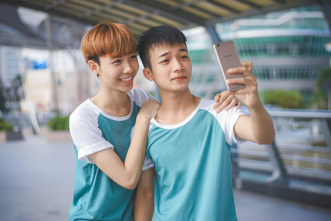 Cặp đôi đồng tính nam lao đao vì những miệt thị từ mạng xã hội - Ảnh 5.