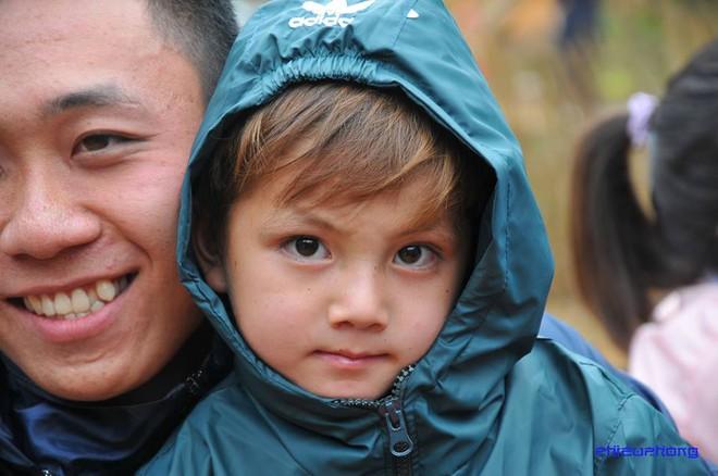Cậu bé vùng cao khiến dân mạng Việt mất ăn mất ngủ truy lùng cả ngày hôm nay - Ảnh 8.