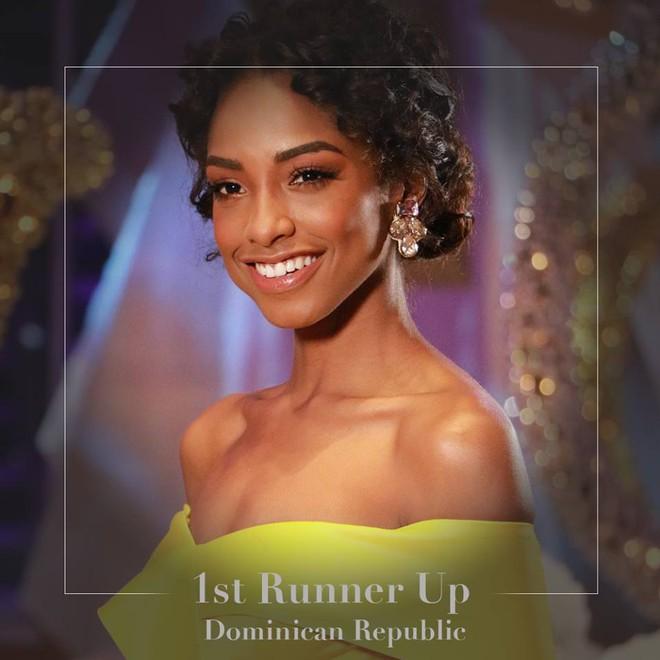 Cận cảnh nhan sắc của cô gái vừa đăng quang Hoa hậu Thế giới 2016 - Ảnh 2.