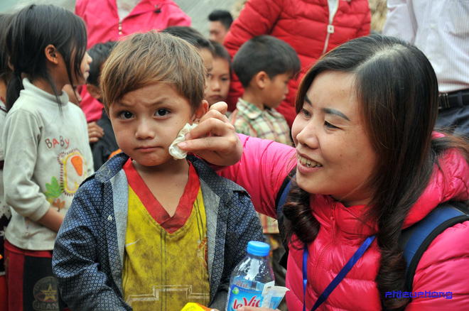 Cậu bé vùng cao khiến dân mạng Việt mất ăn mất ngủ truy lùng cả ngày hôm nay - Ảnh 2.