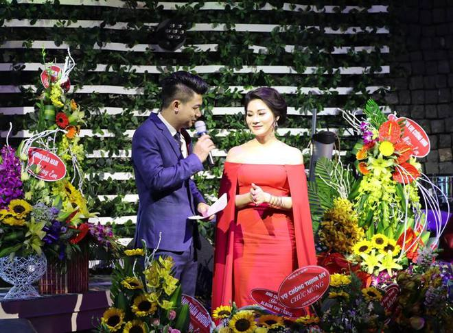 Thu Trang mặc gợi cảm trong ngày ra mắt album đầu tay - Ảnh 2.