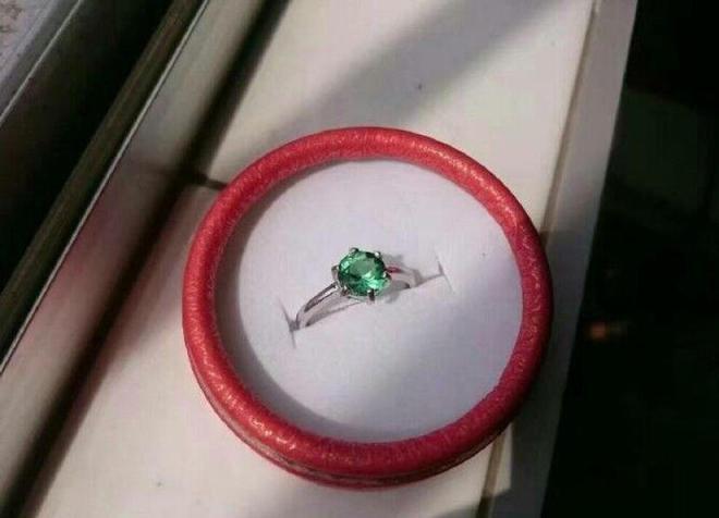 Độc chiêu đáp ứng đề nghị tặng nhẫn kim cương cho bạn gái là đây - Ảnh 5.