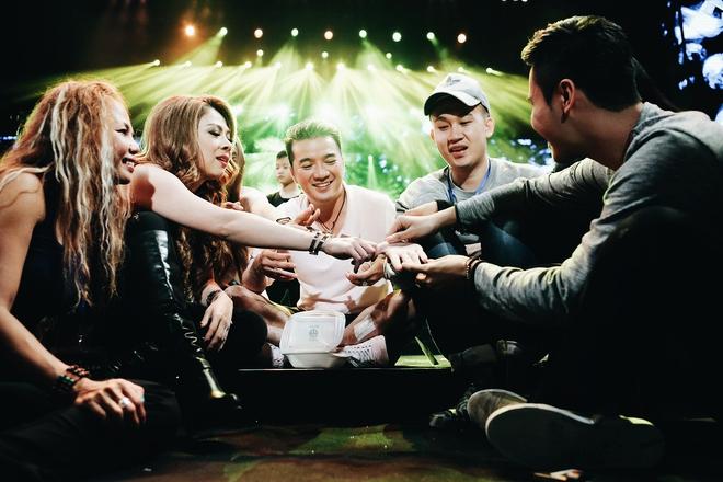 Mr Đàm thức tới 2h sáng lo cho liveshow 12 tỷ tại Hà Nội - Ảnh 9.