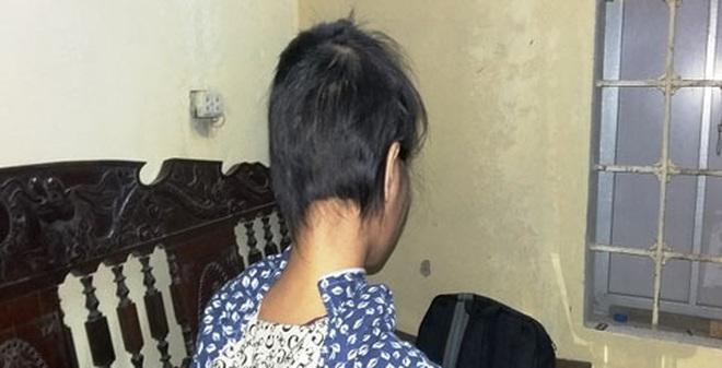 Uẩn khúc vụ cô gái 19 tuổi mang bầu với bố nuôi U60 bị đánh ghen