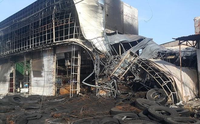 Lái xe tải đâm sập cửa sắt cứu cả nhà khỏi đám cháy lớn