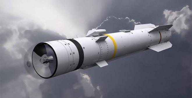 Ngày 27-7, hãng chế tạo châu Âu MBDA đã chính thức giới thiệu dòng tên lửa có điều khiển mang đầu đạn đa dụng Brimstone 2 mới. Quá trình phát triển đạn tên lửa Brimstone 2 được thực hiện theo yêu cầu của Bộ Quốc phòng Anh.