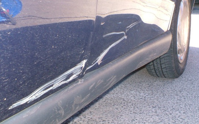 Xóa xước sơn trên ô tô cực dễ với cách làm sau