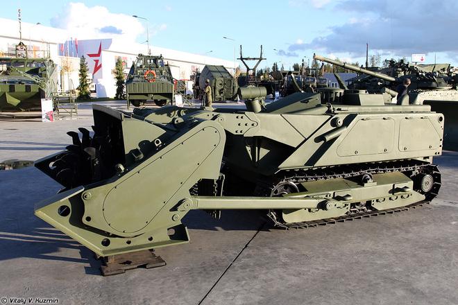 Điểm danh các loại khí tài khủng của Công binh Nga - Ảnh 2.