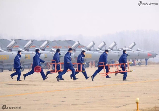 Vì sao phải đặc biệt đề phòng MiG-21 tốt nhất thế giới của Không quân Trung Quốc? - Ảnh 1.