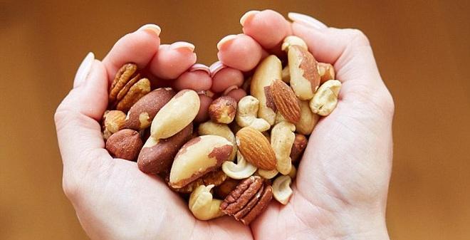 Mỗi ngày ăn 1 vốc các loại hạt này, bạn có thể sống thêm 2 năm