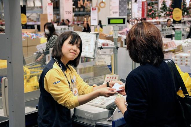 Văn hóa thanh toán tiền này làm nên đặc trưng chỉ có ở Nhật Bản - Ảnh 4.