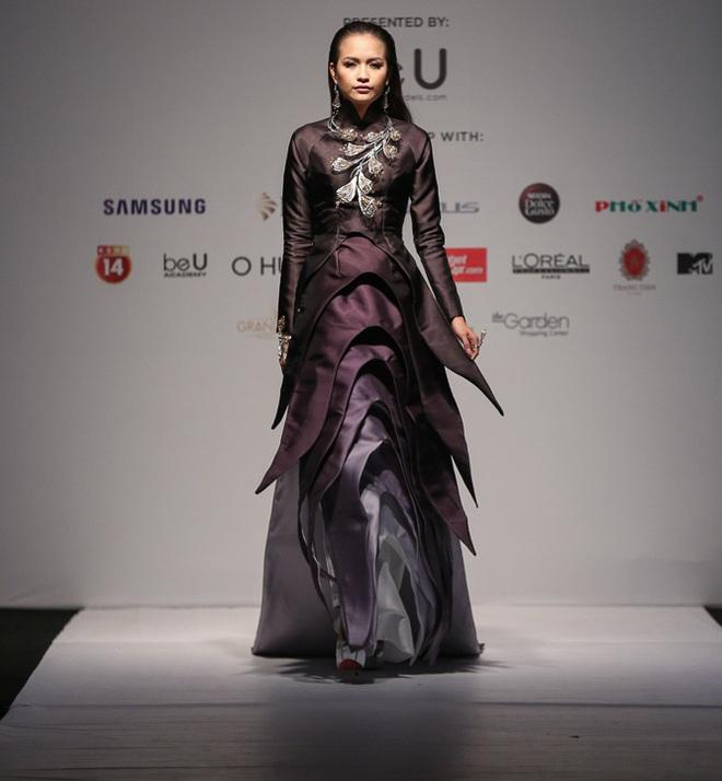 Ngọc Châu được lựa chọn mở màn Tuần lễ thời trang quốc tế - Ảnh 2.