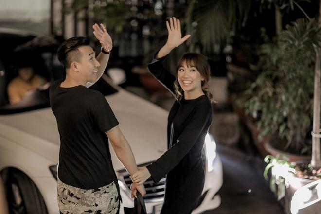 Trấn Thành - Hari Won nắm chặt tay nhau đi thử đồ cưới - Ảnh 13.