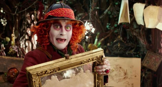 Tặng vé công chiếu phim Alice ở xứ ở trong gương - Ảnh 2.