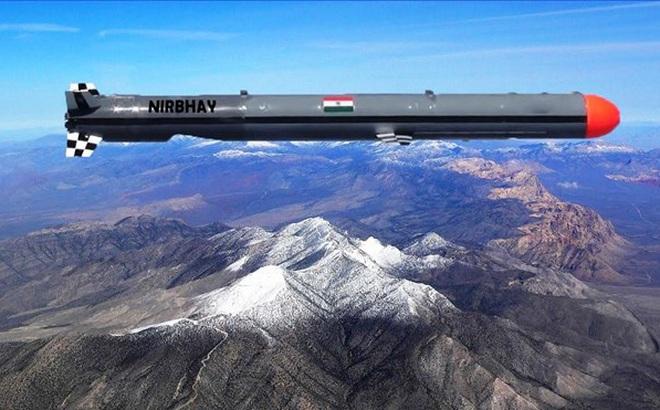 Ấn Độ chuẩn bị hủy bỏ chương trình tên lửa Nirbhay sau 12 năm phát triển