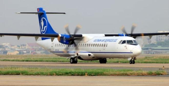 Vụ máy bay ATR 72 bị xe đâm móp cửa lập tức thu hồi thẻ của 1 nhân viên