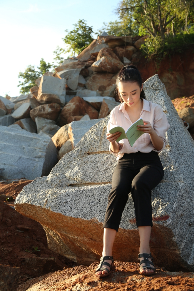 Angela Phương Trinh chịu cực khổ để đóng vai ngoan hiền - Ảnh 5.
