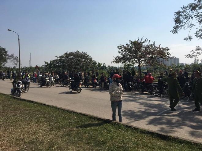 Cháy lớn ở khu công nghiệp Ngọc Hồi, nhiều người hoảng loạn bỏ chạy - ảnh 20