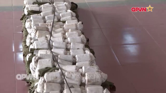 Uy lực vũ khí phá vật cản FMV-B1 do Việt Nam sản xuất - Ảnh 4.