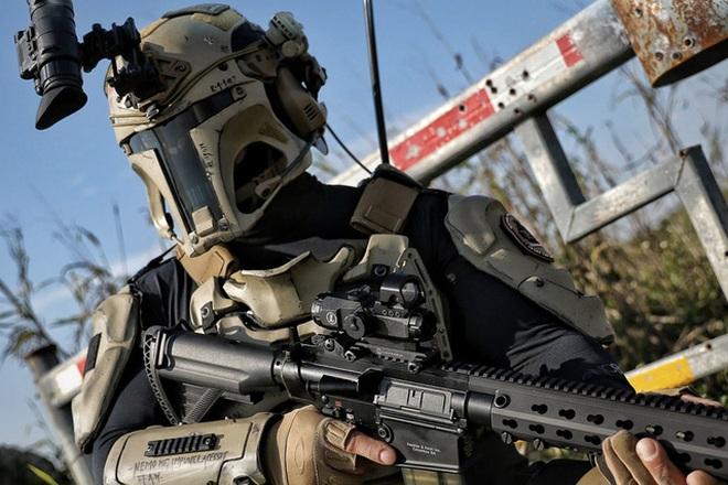 """Chiêm ngưỡng giáp chống đạn phong cách """"Star Wars"""" ngoài đời thực"""