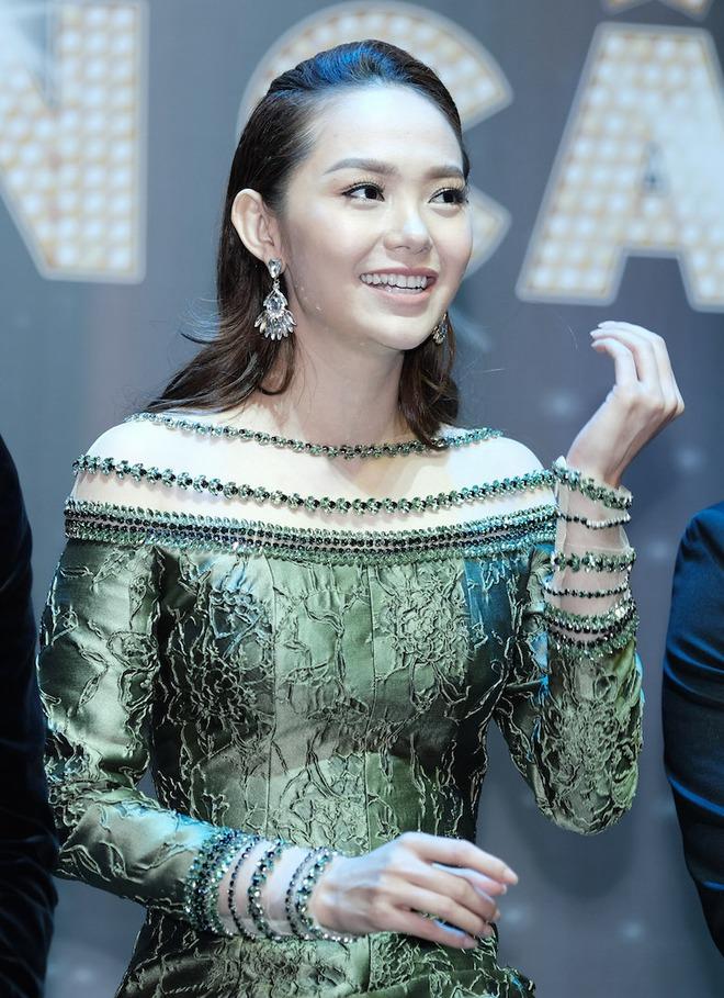 Trương Ngọc Ánh quyến rũ bên dàn mỹ nhân nóng bỏng - Ảnh 7.
