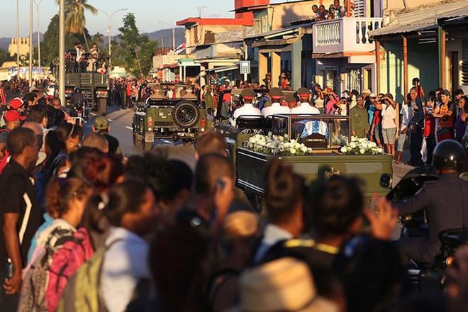 Hình ảnh ngôi mộ rất giản dị của Lãnh tụ Cuba Fidel Castro - Ảnh 11.