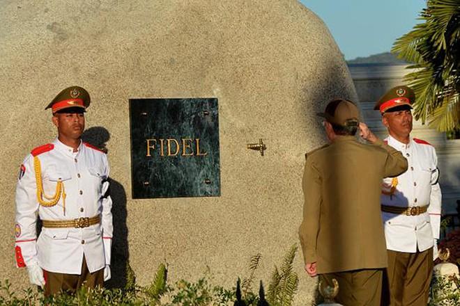 Hình ảnh ngôi mộ rất giản dị của Lãnh tụ Cuba Fidel Castro - Ảnh 4.