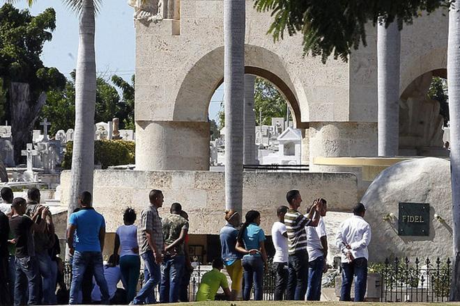 Hình ảnh ngôi mộ rất giản dị của Lãnh tụ Cuba Fidel Castro - Ảnh 7.