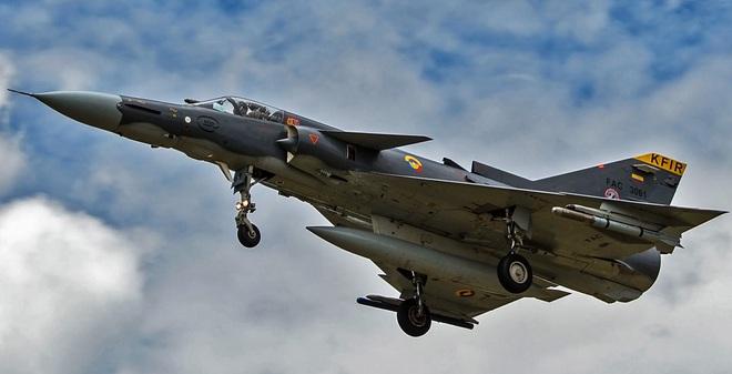 """Mỹ chậm """"cho không"""" F-16, Việt Nam sẽ """"chốt"""" Kfir để thay thế?"""