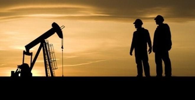 Giảm gần 6%, giá dầu xuống mức thấp nhất 11 năm