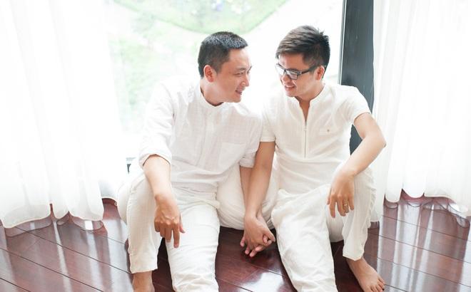 Hai chàng trai yêu nhau 11 năm: Tự tử, cạo đầu vì tình duyên trắc trở