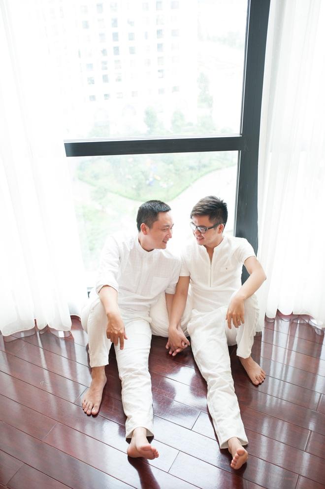 Hai chàng trai yêu nhau 11 năm: Tự tử, cạo đầu vì tình duyên trắc trở - Ảnh 3.