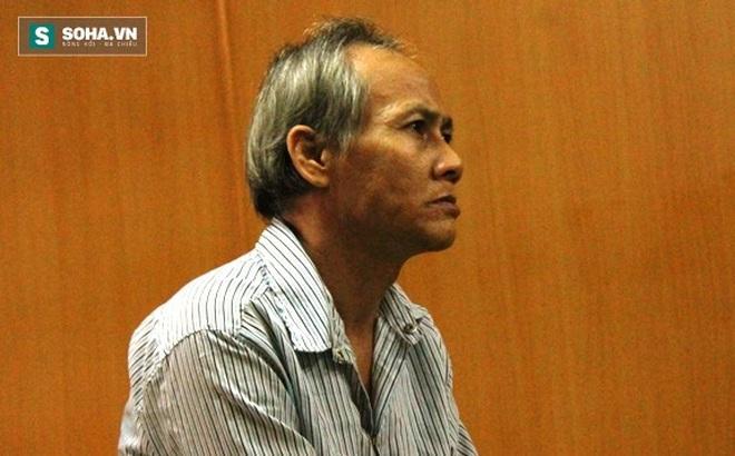 """""""Ông trùm"""" in danh thiếp để môi giới mại dâm ở Sài Gòn"""