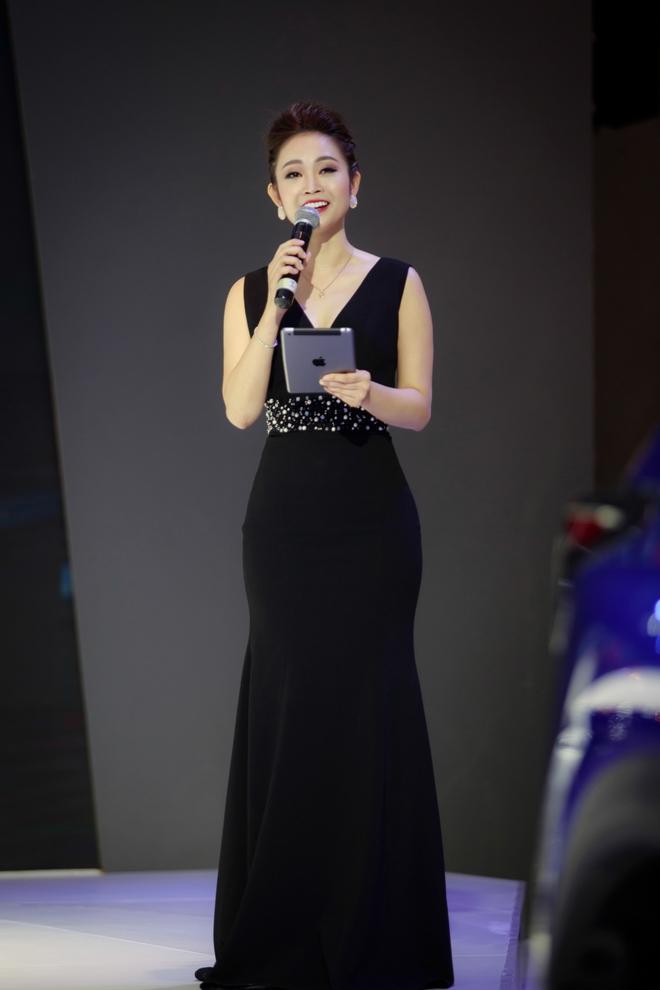 Nhan sắc xinh đẹp của MC Thùy Linh thu hút sự chú ý tại sự kiện - Ảnh 8.