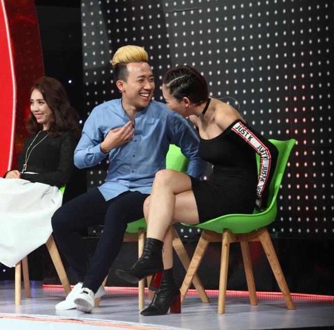 Trấn Thành bất ngờ nhận Tóc Tiên là em gái nuôi  - Ảnh 4.