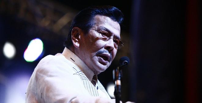 Cựu TT Philippines ủng hộ Duterte, tố cáo Mỹ giật dây đảo chính
