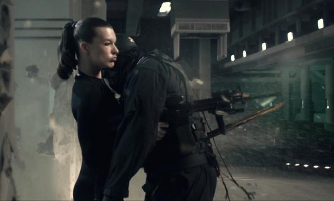 Lá chắn sống ở ngoài đời liệu có tác dụng chống đạn như trên phim ảnh? - Ảnh 1.