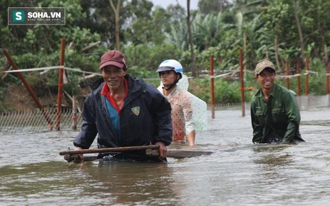 Dân Quảng Nam sơ tán sau khi thủy điện thông báo xả lũ