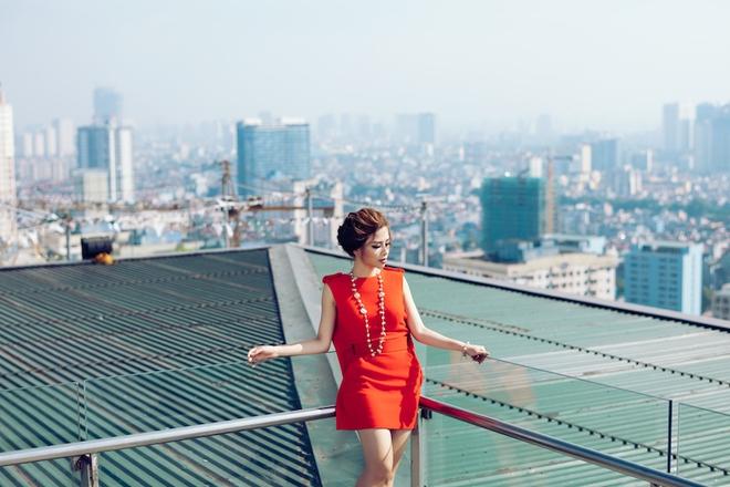 Dương Hoàng Yến ngày càng gợi cảm nhờ ăn mặc táo bạo - Ảnh 2.