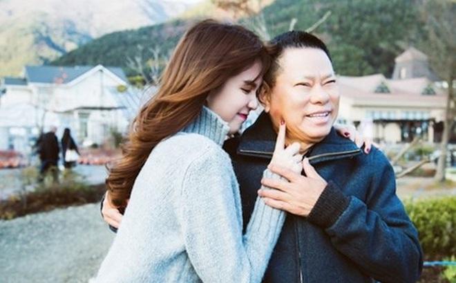 """Ông Hoàng Kiều: """"Ngọc Trinh sinh 2 con, quản 20% tài sản cho tôi"""""""