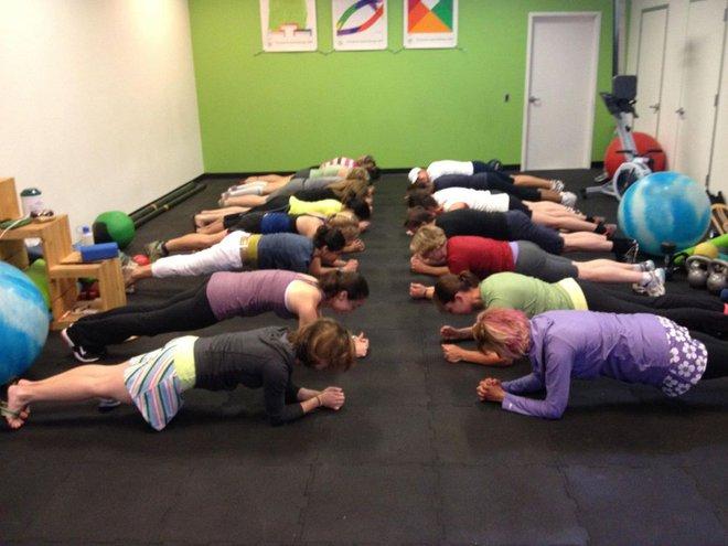 Bí mật về Plank, bài tập đang sôi sục từ phòng gym tới công sở - Ảnh 24.