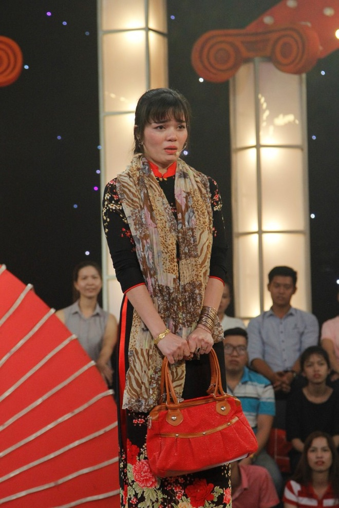 Cô gái khoe vàng bí chiêu, đột ngột hét thẳng mặt Trấn Thành, giành 100 triệu - Ảnh 1.